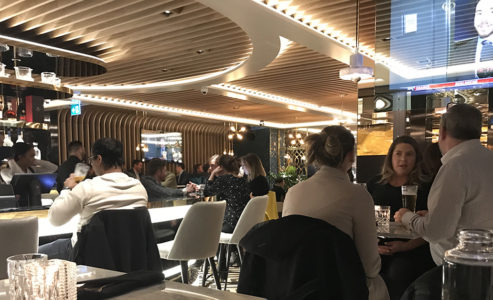 Drake opened Pick 6IX Toronto restaurant last night with few VIPS and medias (Photos)