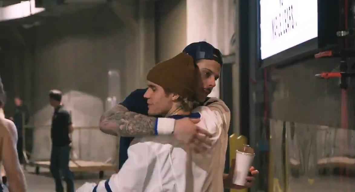 Justin Bieber hugs Auston Matthews