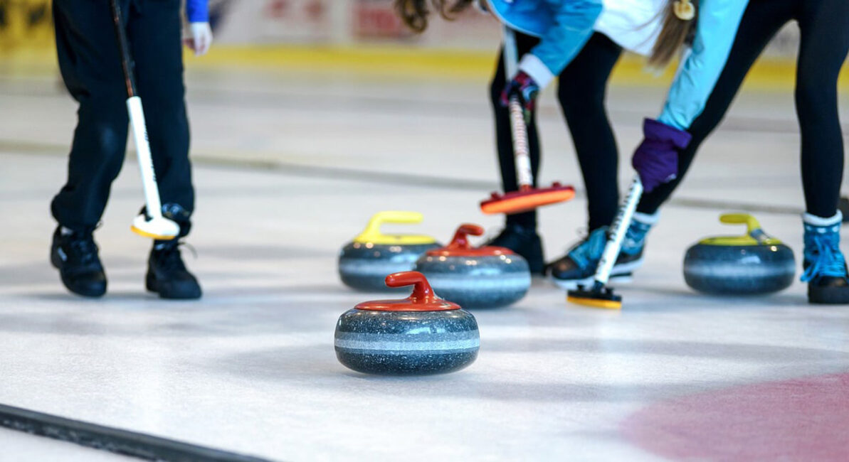 Who are the best national curling teams