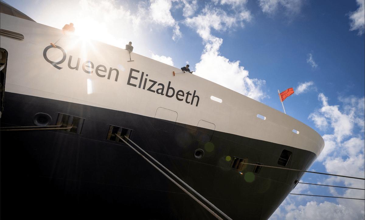 Cunard Queen Elizabeth gets ready to set sail